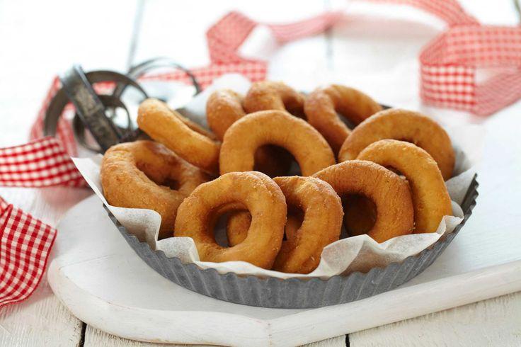Smultringer er norsk tradisjonsbakst, og regnes for mange som én av de syv slagene. Her har du oppskriften på en glutenfri variant. Lag gjerne en stor porsjon og frys ned, eller gi bort i gave til venner og familie.