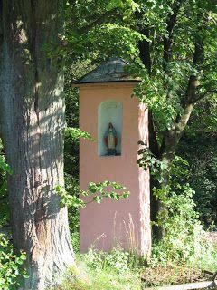 Kapliczki przydrożne - Perły krajobrazu: Kapliczka Matki Bożej - Dobczyce, ul. Podlesie