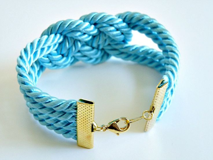 Dans le Townhouse: Easy DIY Knotted Cord Bracelet