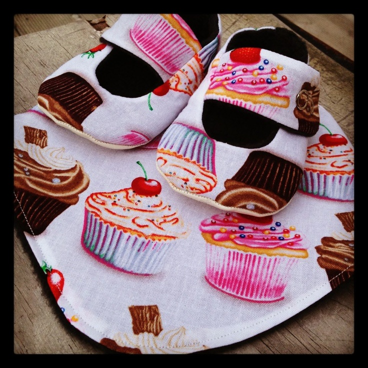 Cupcake iddy biddy kicks and dribble bib set for sale on my Felt page x