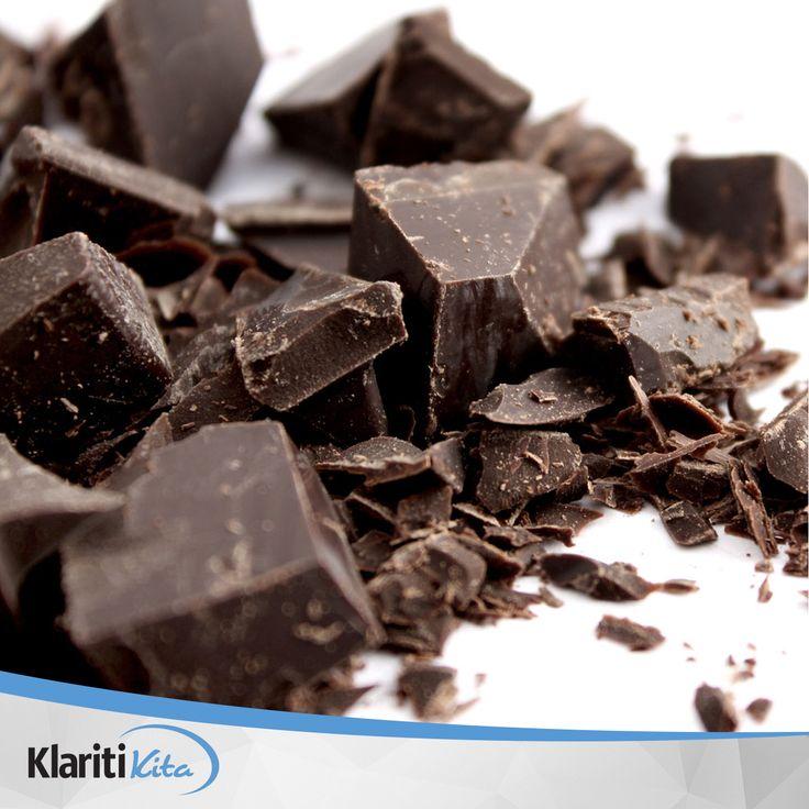 Ibu hamil yang rutin mengkonsumsi coklat khususnya dark chocolate selama kehamilan ternyata mampu membuat bayi yang akan dilahirkannya nanti menjadi bayi yang bahagia. Wah, fakta yang menarik ya :)