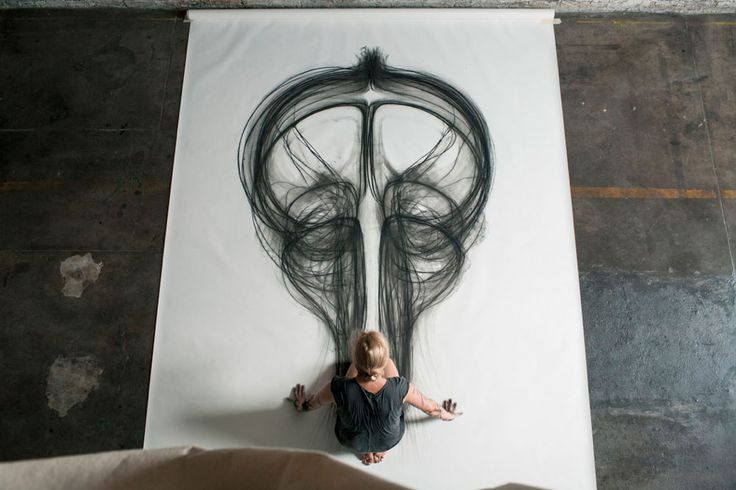Heather Hansen Uses Entire Body to Create Larger than Life Charcoal Drawings (6)