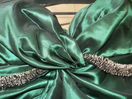 Precioso vestido de fiesta http://ropa-usada.vivavisos.com.ar/accesorios-usados+san-luis/liquido-urgente/47875182