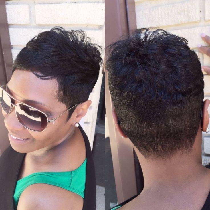 Natural hair Stylist Marketia Le'Loft LLC hair salon Philadelphia pa