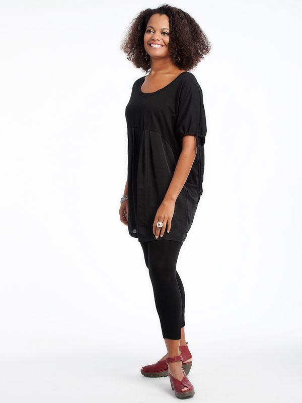 Silk tunic with organic cotton leggings www.lousjeandbean.ca  #lousjeandbean  #shoplocal #canadianmade Tessa Oort ~ Lousje & Bean