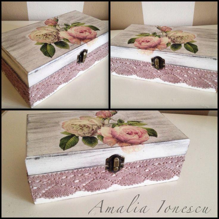 Decoupage, box, romantic, lace, roses, vintage, shabby chic!