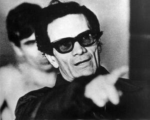 Lançado em 2002, pela Cosac & Naify, o livro é uma apresentação  da trajetória do cineasta, poeta, jornalista, crítico e tradutor italiano Pier Paolo Pasolini (1922-1975), uma das raras vozes de oposição capazes de questionar os sistemas políticos modernos. Leia o título na íntegra.
