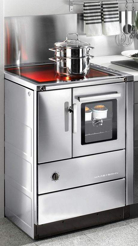 The robust wood fed range cookers from Haas+Sohn return fire to the place where it belongs – your kitchen. The combination of innovative technology, functionality [...]