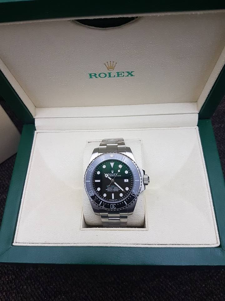 Sea Dweller 50th anniversary limited edition with box with green face. Movement: 2813 Glass: Sapphire Stainless Steel Grade: AAAA+ For price & more details inbox