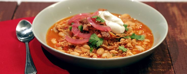 This easy & delicious chili is the perfect meal for the weekend!