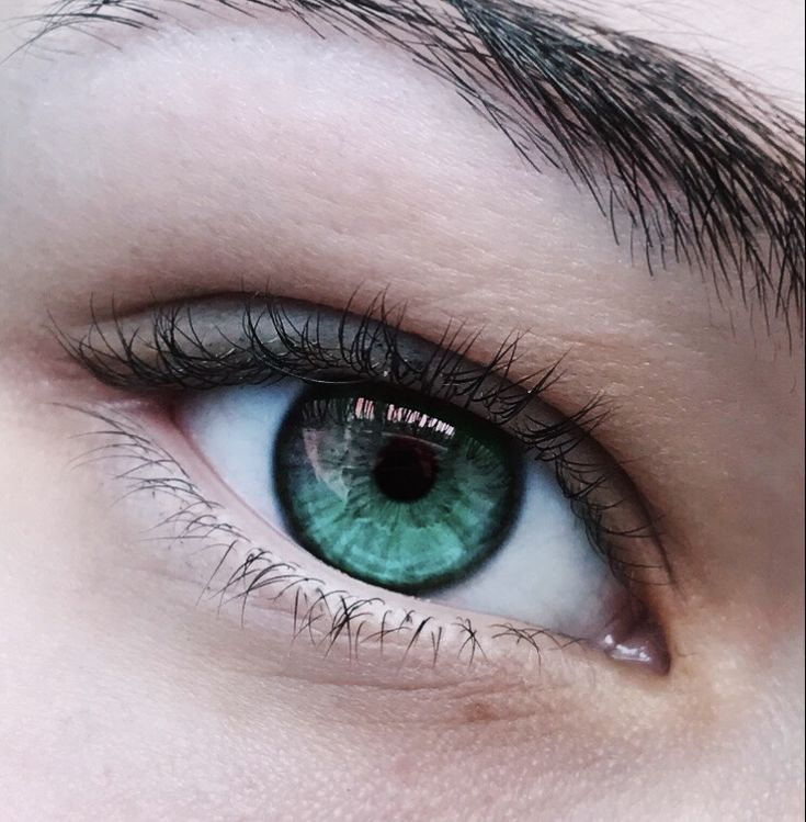 глаза изумрудного цвета фото или