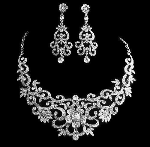 Bridal Wedding Jewelry Set Bridal Jewelry Set by VictoriasVeils. $54.00, via Etsy. I just bought this!