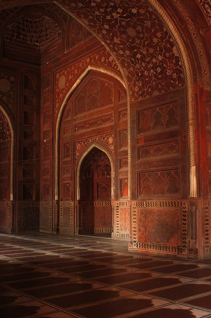 Taj Mahal Mosque Interior - Agra, India - www.omegaresidency.com