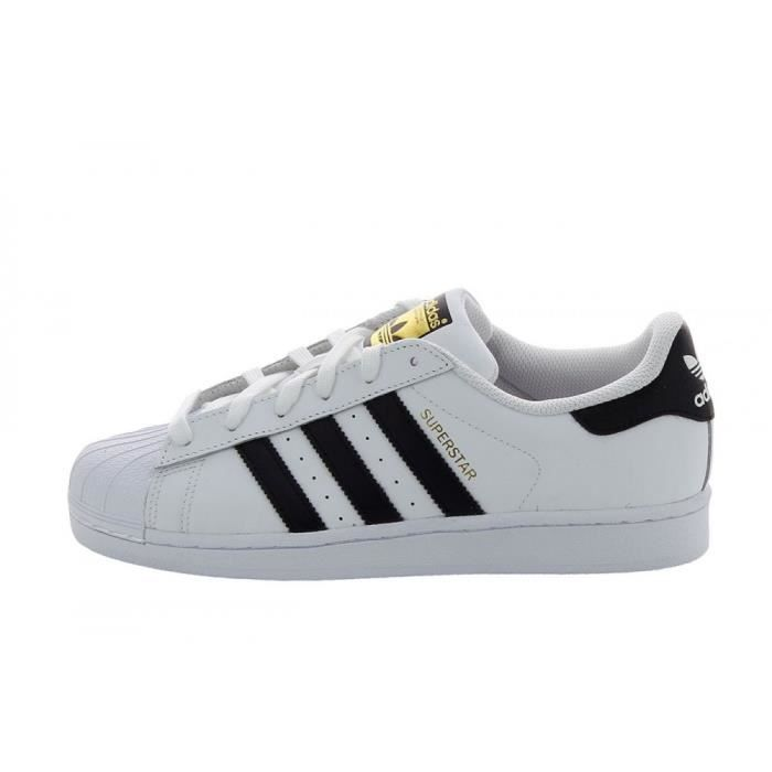 ADIDAS ORIGINALS Baskets SUPERSTAR Enfant BlancNoir en 2020