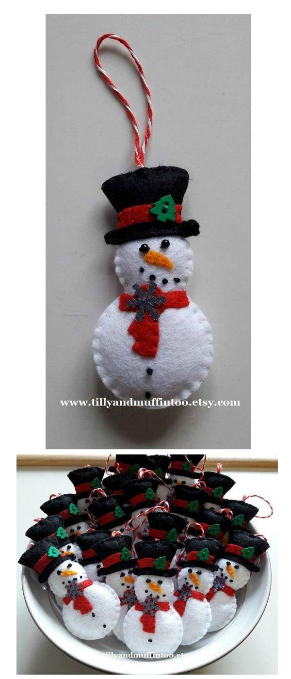 I love this handmade felt snowman with top hat Christmas decoration/ornament/bauble. #christmas #snowman #felt #ornament #ad
