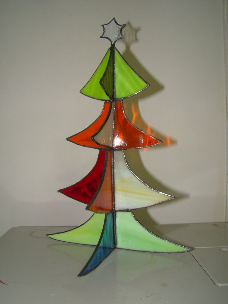 Stained glass Christmas tree 20cm x 26cm