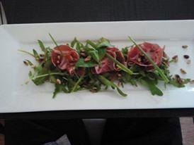 Rucolla met heerlijke ham van het Grasdier dorp!