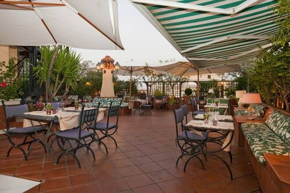 This is the beautiful rooftop garden restaurant at Hotel Diana, Roma.