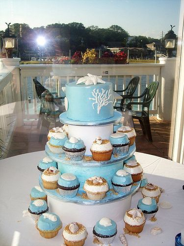 beach themed wedding cake table best 25 themed wedding cakes ideas on 11152