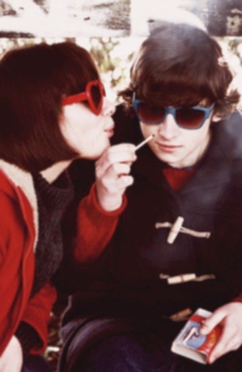 Craig Roberts and Yasmin Paige in Submarine