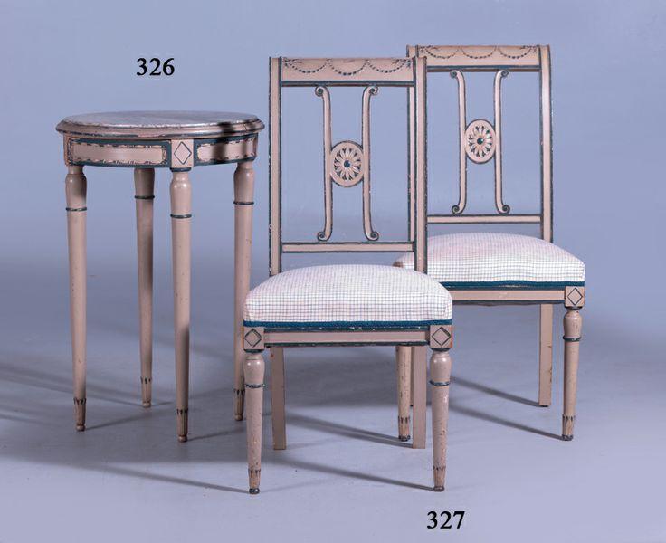 pareja de sillas estilo directorio en madera lacada en