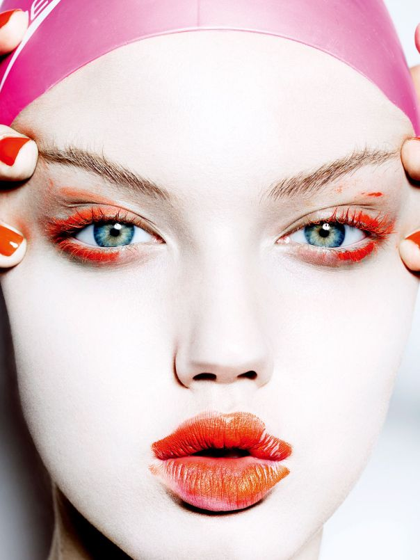 Pink and orange. #LindseyWixson by #MarioTestino for #VogueJapan November 2014