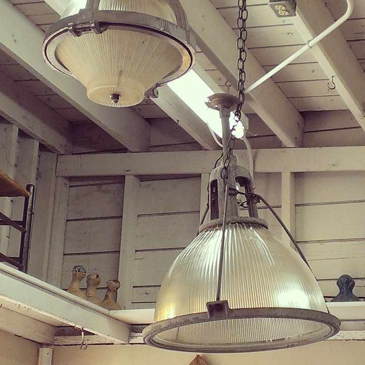 Industrial Hanging Lights ~ #industrial #lighting #hanginglight #home #decor *JoJo's Place www.jojosplace.com