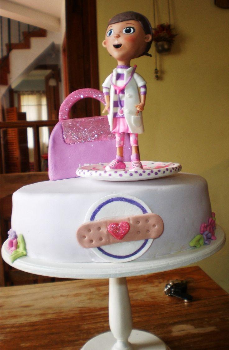 La Dra juguetes en el cumple de Lola.  Tortas cakes by Dulcinea de la fuente www.facebook.com/dulcinea.delafuente  #fiesta #festejo #cumpleaños #mesadulce#fuentedechocolate #agasajo# #candybar  #tamatización #souvenir  #regalos personalizados #catering finger food