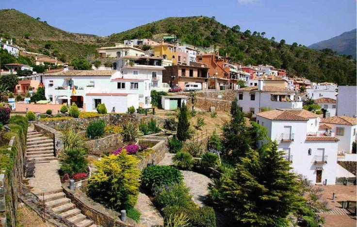 """10 """"pueblos blancos"""" in de provincie Málaga waar iedereen wel wil wonen   SpanjeTopTien"""