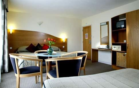 The London shopping locations are  only a bus ride away from the hotels near Victoria station. The Harvey Nichols is also merely a bus ride from these cheap hotels in London near to Victoria bus and train station. For bed and breakfasts London accommodation, visit http://hotelsnearvictoriastationlondon .  These central London bed and breakfasts have easy access to Piccadilly Circus. London City spot such as Hyde Park is likewise nearby hotels in Victoria. The hotel accommodat