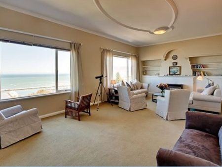 Self Catering Accommodation, Kalk Bay, Cape Town   Indulge in these telescopic views of the surrounding ocean.