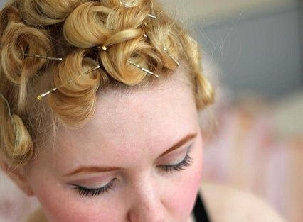 pin curls short hair4