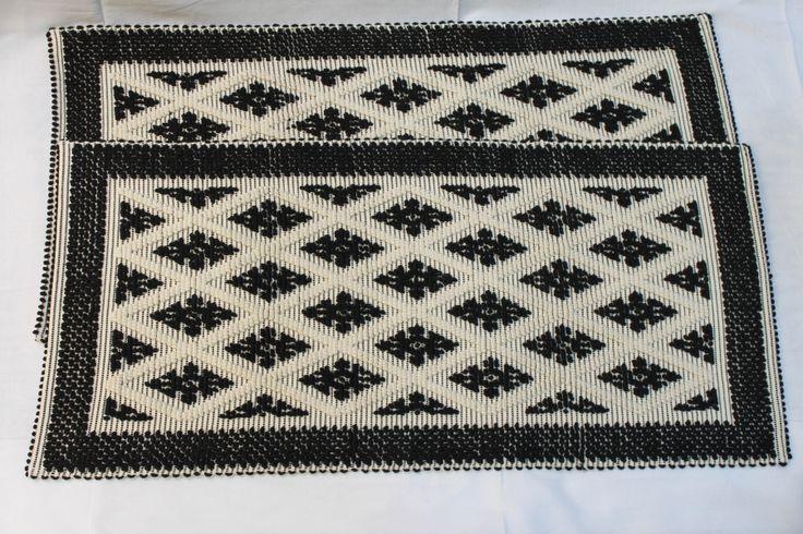 Centro Tessuti Sardi - Sardinian carpets - Tappeti sardi