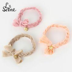 100均材料で作れる!三つ編みするだけ簡単ブレスをDIY♡ - Locari(ロカリ)