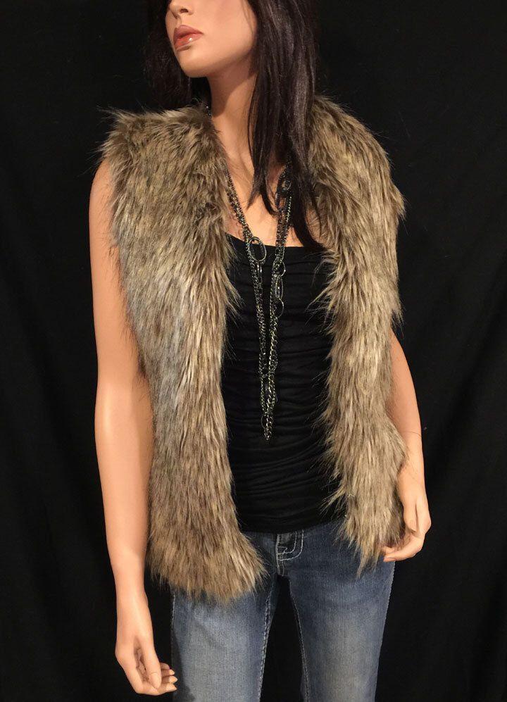 Chaleco de piel sintética longitud cadera lobo marrón estilo: FVA503 de spazooie2 en Etsy https://www.etsy.com/es/listing/62716978/chaleco-de-piel-sintetica-longitud