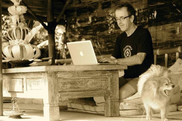 Andy, founder of http://www.workingfromanywhere.com.au sets up his office at Sharing Bali on a regular basis.