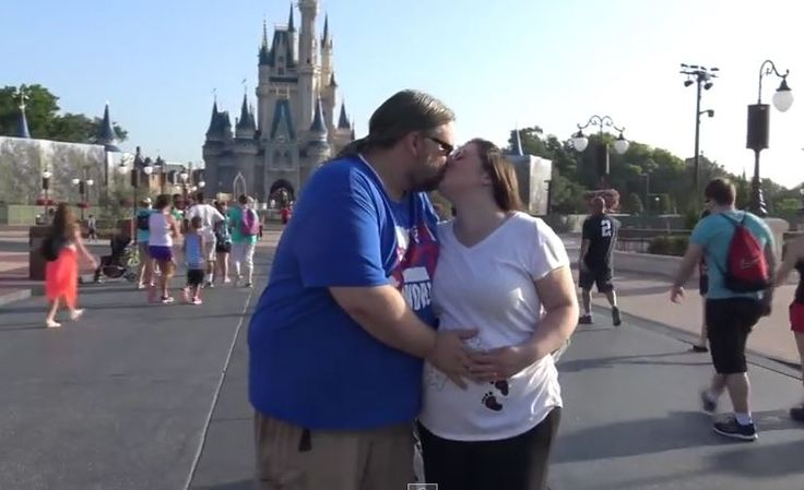 Couple travels to Disney World to find out if they are having a boy or girl | The Disney Blog