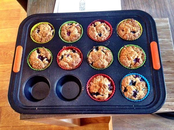 De blauwebessenmuffins uit Bakken met Karin, gemaakt door Hanneke.