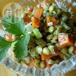Фото рецепта: Полезный салат из чечевицы