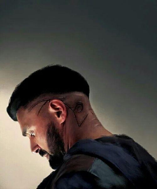 Very well known Actor, Manu Bennett, plays Allanon •  Shannara Chronicles http://m.imdb.com/name/nm0071847/?ref_=m_tt_cl_i4