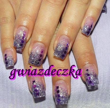 Fioletowe brokatowe paznokcie żelowe http://esteraowczarz.blogspot.com/2014/03/fioletowe-brokaty.html
