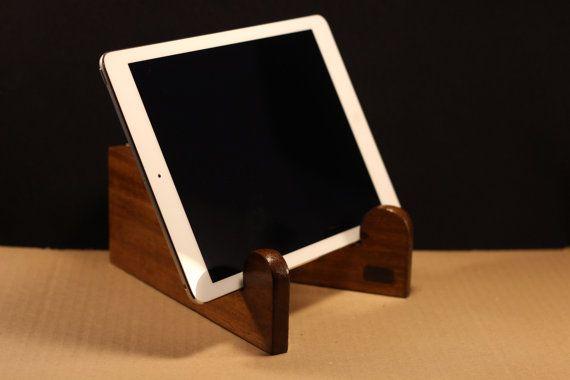 Soporte para tablet y teléfono de madera con por ArtesMoldovan