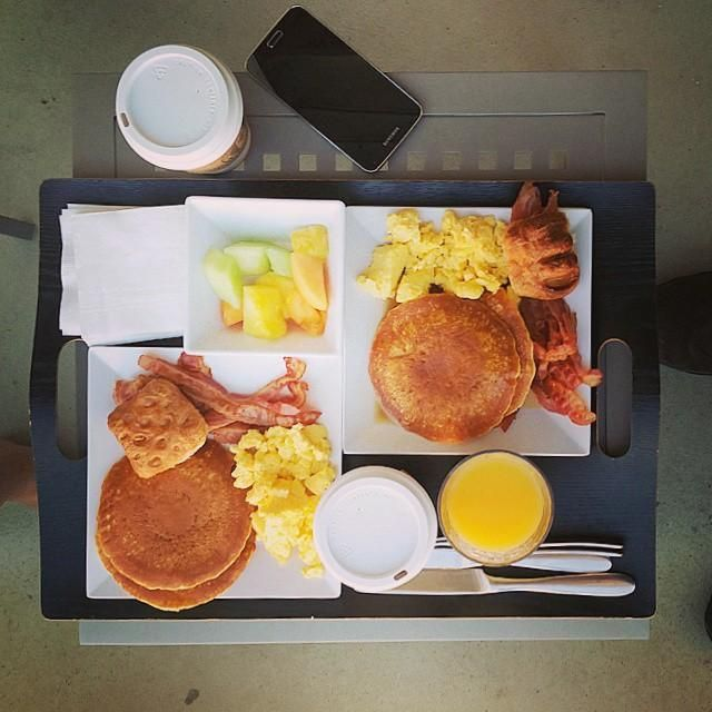 Care for some complimentary breakfast at Hyatt Place? Photo by @JimmyKastner at Hyatt Place Waikiki Beach.
