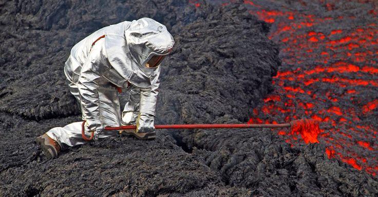 Самые опасные вулканы России - безоговорочным лидером в этом отношении является Камчатский край и Сахалинская область. В этом регионе находится не только