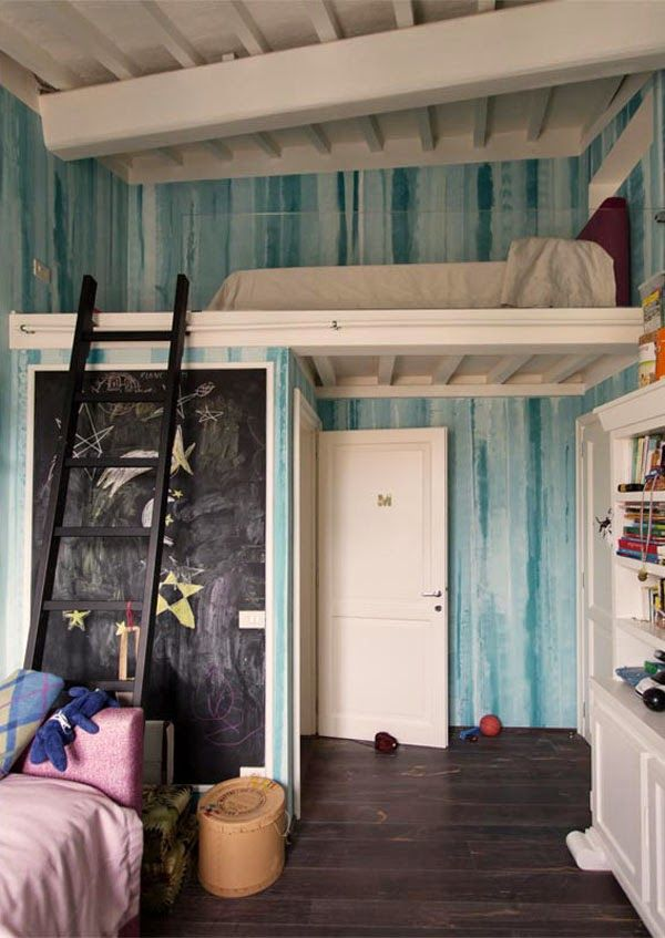Dormitorio con altillo. Luigi Fragola. Bedroom with mezzanine
