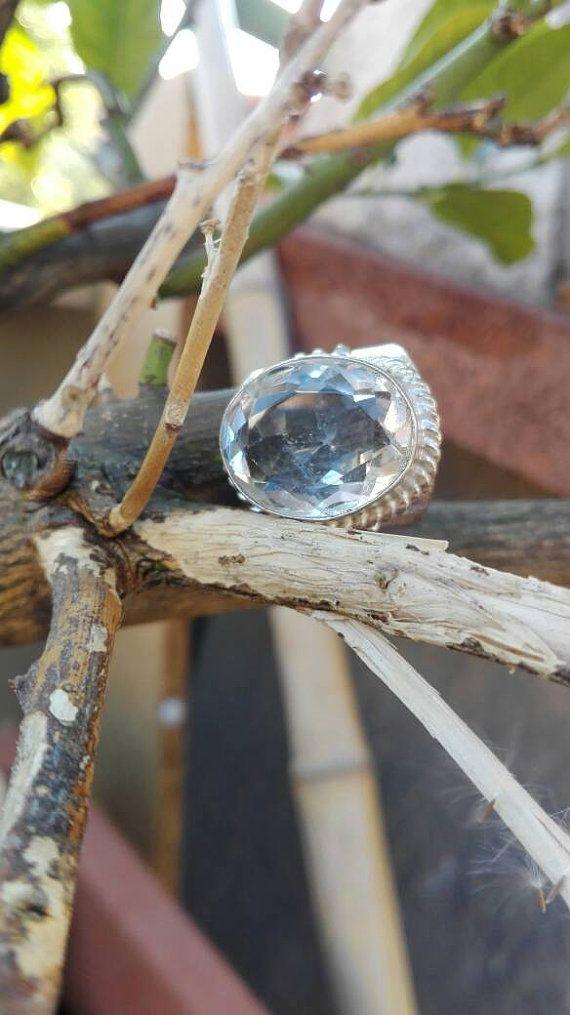 Guarda questo articolo nel mio negozio Etsy https://www.etsy.com/it/listing/488976072/anello-a-fascia-con-topazio-bianco