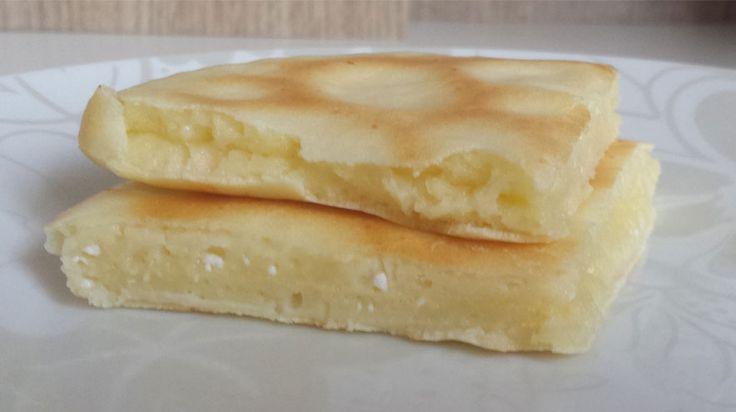 Pão de queijo de frigideira - 4 colheres de tapioca , 1 ovo, 1 colher de requeijão light. Mistura tudo muito bem e coloca na frigideira,quando estiver desgrudando o fundo vira e deixa dourar!!!