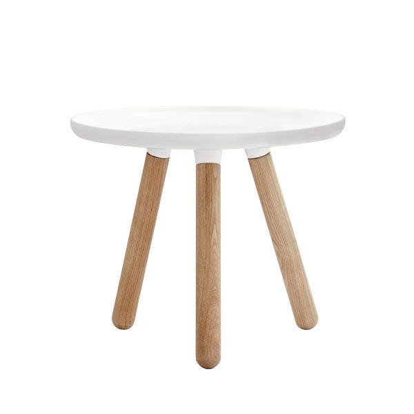 Tablo pöytä pieni, kiiltävä valkoinen  Valmistaja: Normann Copenhagen  Design: Nicholai Wiig Hansen