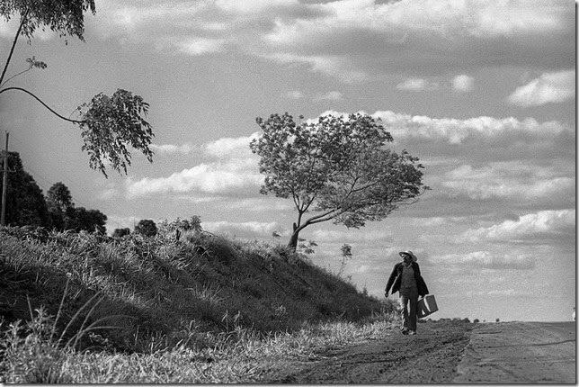 © Marcos Zimmerman. Marcos Zimmerman es un fotógrafo argentino (nacido en Buenos Aires en 1950) dedicado a explorar la identidad de su país a través de una fotografía directa.