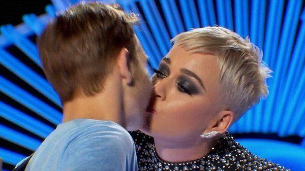 Man Katy Perry Kissed On American Idol Says He Didn T Like It